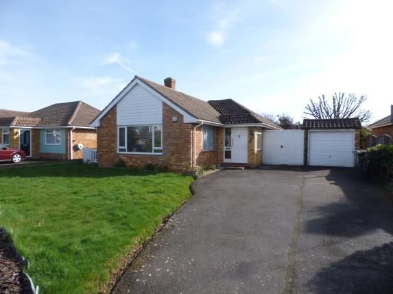 Thumbnail Bungalow for sale in St. Thomas Avenue, Hayling Island