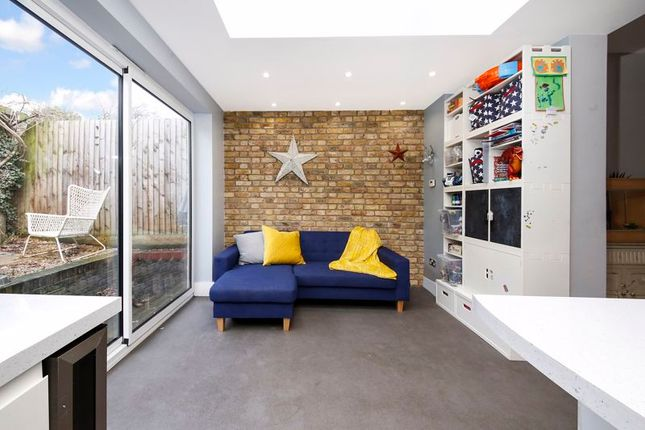 Terraced house for sale in Dairsie Road, London