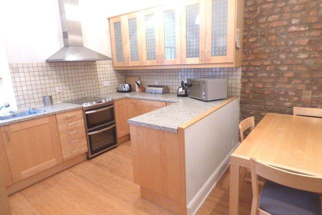 Thumbnail Flat to rent in Ashley Villa, Altrincham, 2Dp.