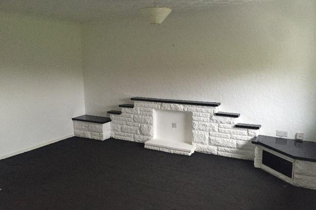 Thumbnail Flat to rent in Rennie Road, Kilsyth, North Lanarkshire