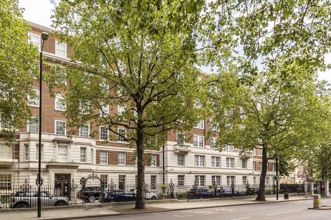 4 bed flat for sale in Park Road, London NW8