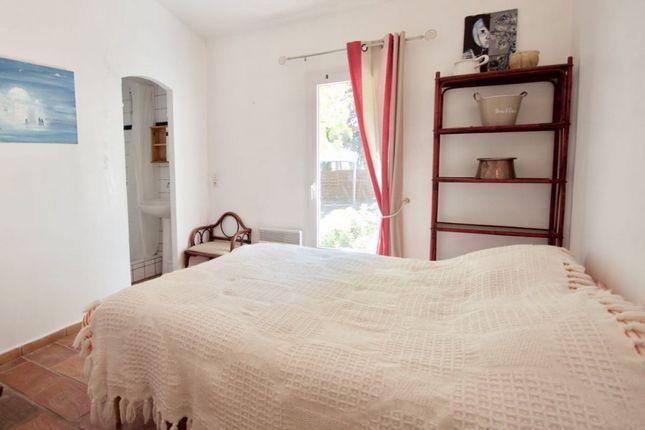 St Raphaël - 4 Bedroom Villa In Beautiful Area