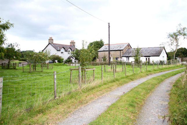 Thumbnail Farmhouse for sale in Llanwenog, Llanybydder