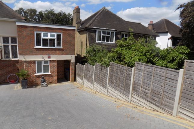 Thumbnail Flat to rent in Hartley Down, Purley