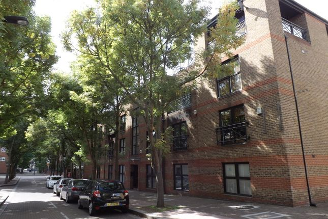 Thumbnail Town house for sale in Onega Gate, London