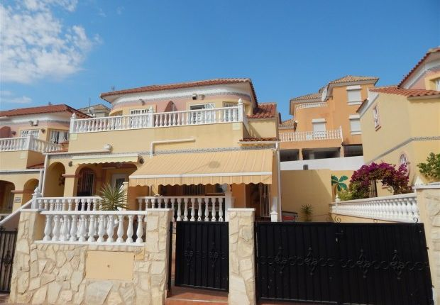 Thumbnail Block of flats for sale in Reformed Semi-Detached Townhouse, Villamartin, Alicante, 03189