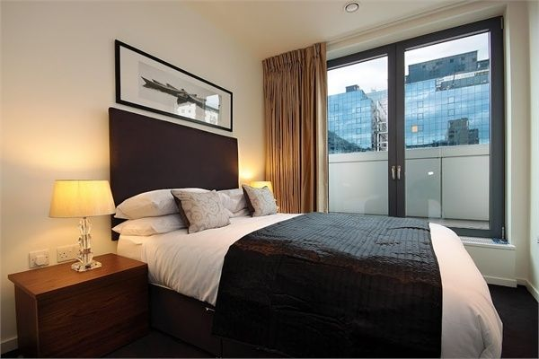 2 bed flat to rent in Oakland Quay, London