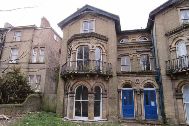 1 bed flat to rent in Yarmouth Road, Lowestoft NR32