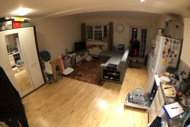 Thumbnail Terraced house to rent in SE12, London,
