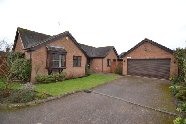 Thumbnail Bungalow to rent in Saham Croft Close, Winslow, Buckinghamshire