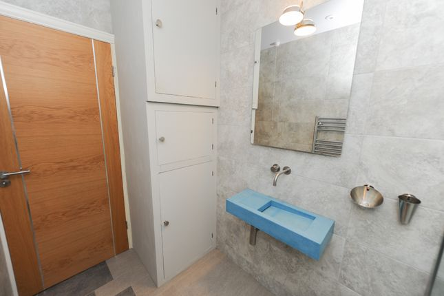Shower Room of Hawksley Avenue, Chesterfield S40