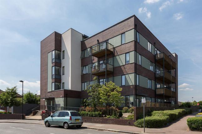 Thumbnail Flat for sale in Wenlock House, Eaton Road, Enfield