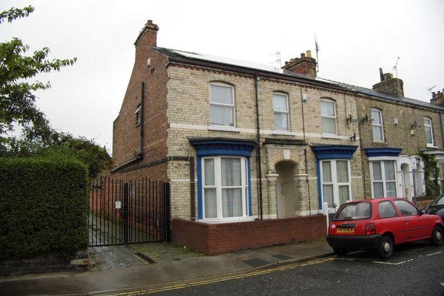 Thumbnail Flat to rent in Fountayne Street, York