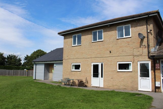 Thumbnail Flat to rent in Swan Lane, Sellindge, Ashford