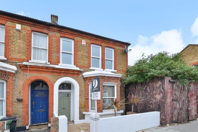 2 bed end terrace house to rent in Thornbury Road, Brixton