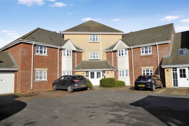 Thumbnail Flat for sale in French's Gate, Dunstable