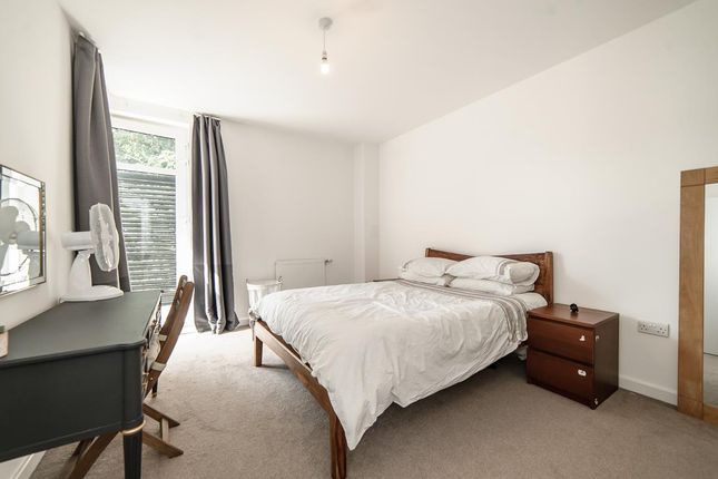 Thumbnail Property to rent in Bennington Close, Thornton Heath