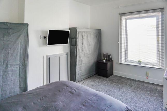 Bedroom of Grove Street, Heckmondwike WF16