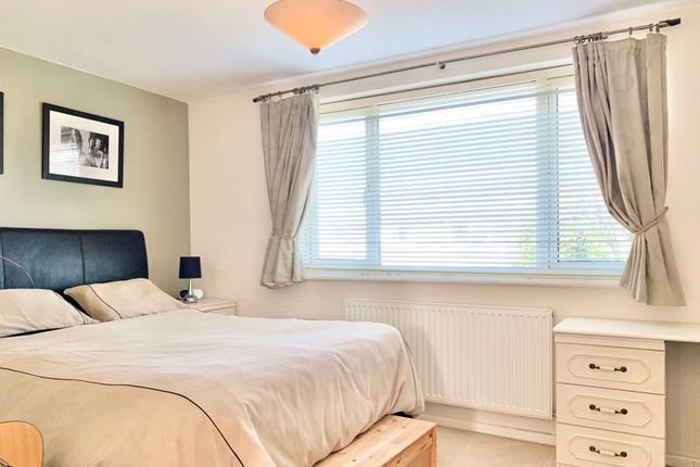 Photo 4 of Forge Drive, Claygate, Esher KT10