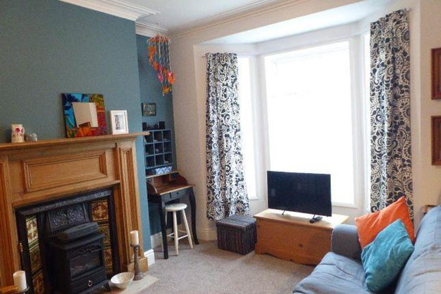 Lounge of Clifton Gardens, Goddard Avenue, Hull HU5