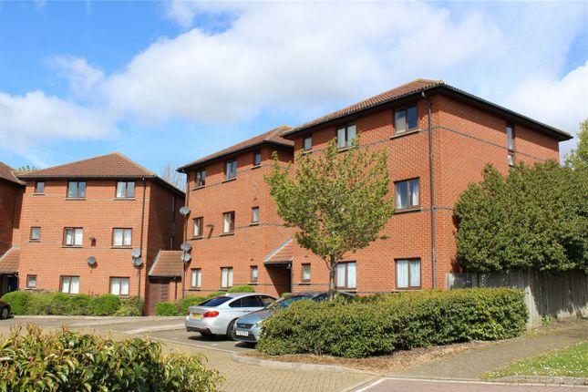2 bedroom flat to rent in Alderney Place, Shenley Brook End, Milton Keynes