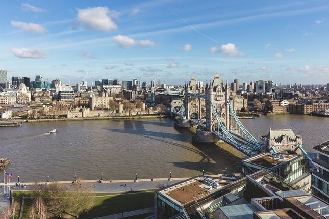 Thumbnail Flat for sale in Crown Square, London