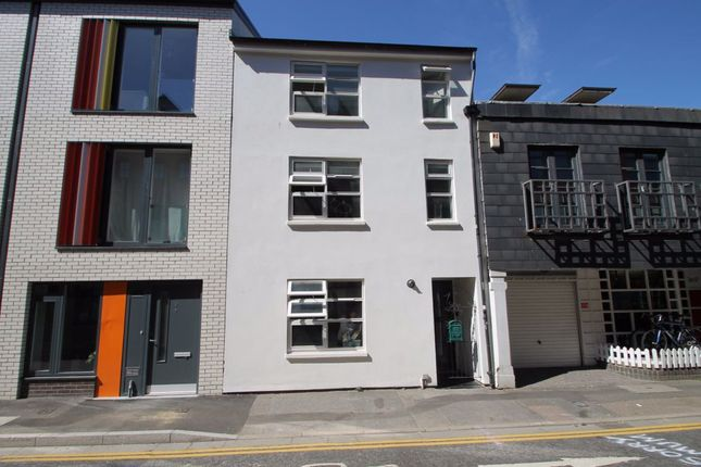 Thumbnail Property to rent in Kensington Street, Brighton