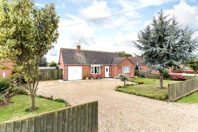 3 bed detached bungalow for sale in Main Road, Holbeach Drove, Spalding, Lincolnshire