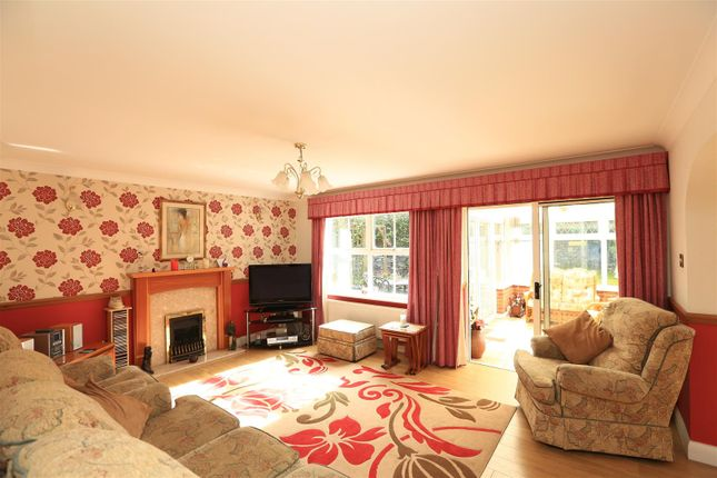 Ab2A0213 of Candish Drive, Elburton, Plymouth PL9