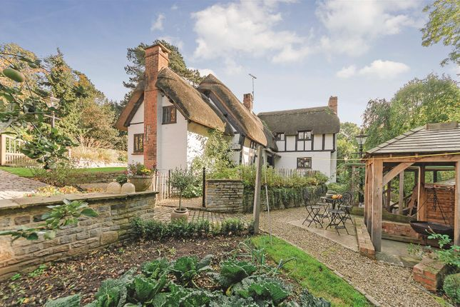 Thumbnail Cottage for sale in Church Lane, Shottery, Stratford-Upon-Avon, Warwickshire