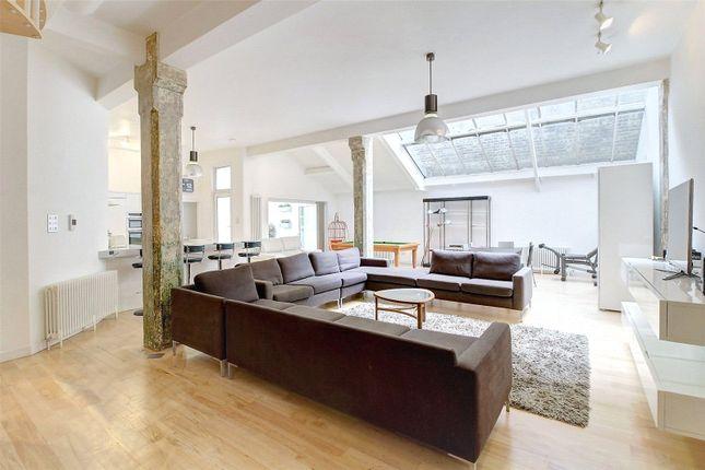 Thumbnail Maisonette to rent in New Inn Street, Shoreditch, London