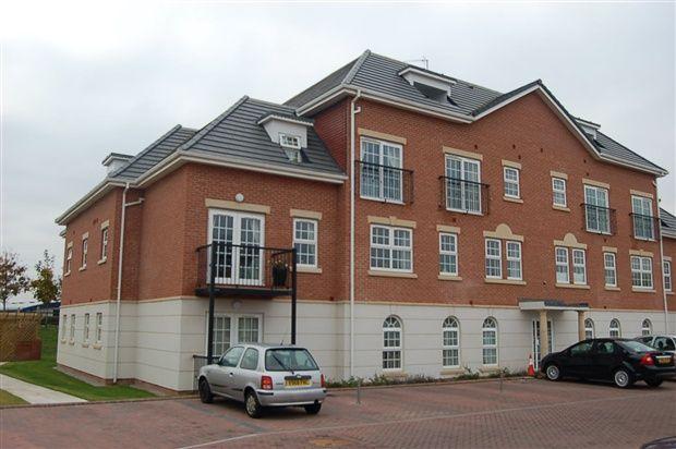 Thumbnail Flat to rent in Garden Close, Poulton Le Fylde