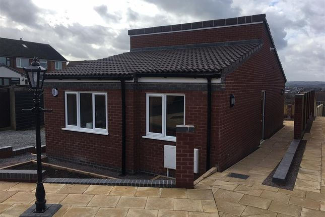 Thumbnail Bungalow to rent in Arrons Court, Hockley, Tamworth