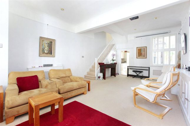 Thumbnail Property to rent in Garfield Road, Battersea, London
