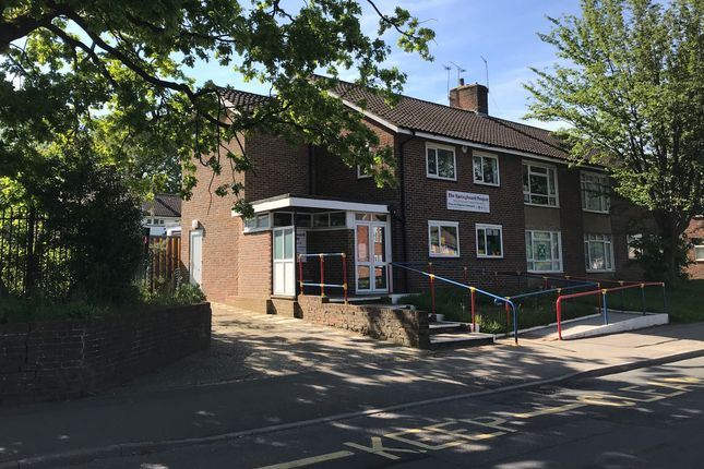 Thumbnail Leisure/hospitality to let in Stagelands, Langley Green, Crawley