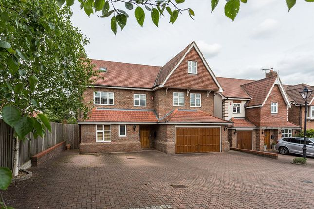 Thumbnail Detached house for sale in Claudius Close, Stanmore, Middlesex