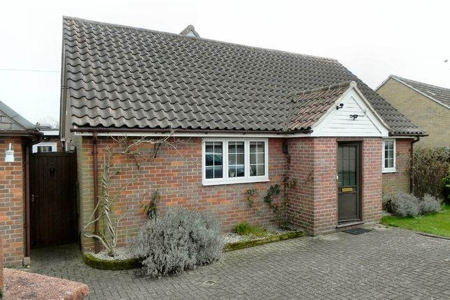 Thumbnail Detached bungalow to rent in Vicarage Lane, Thaxted, Dunmow