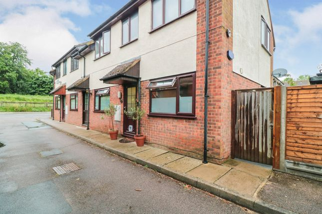 1 bed flat for sale in Amwell Lane, Stanstead Abbotts, Ware SG12