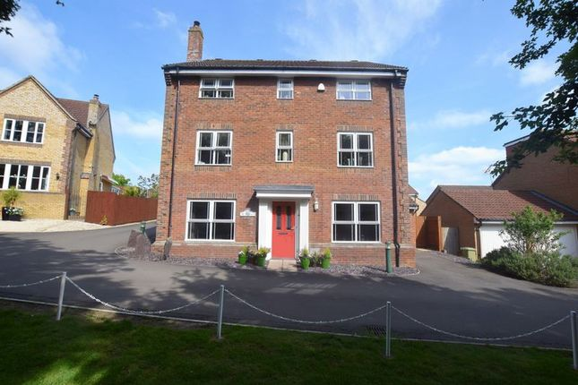 Thumbnail Town house for sale in Clifton Moor, Oakhill, Milton Keynes