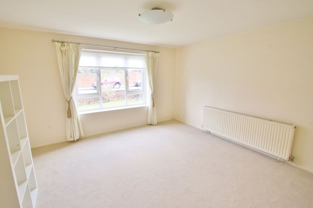 Thumbnail Flat to rent in Forest Avenue, London