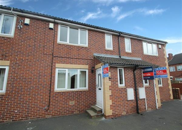 Thumbnail Town house to rent in King Edward Street, Hemsworth, Pontefract