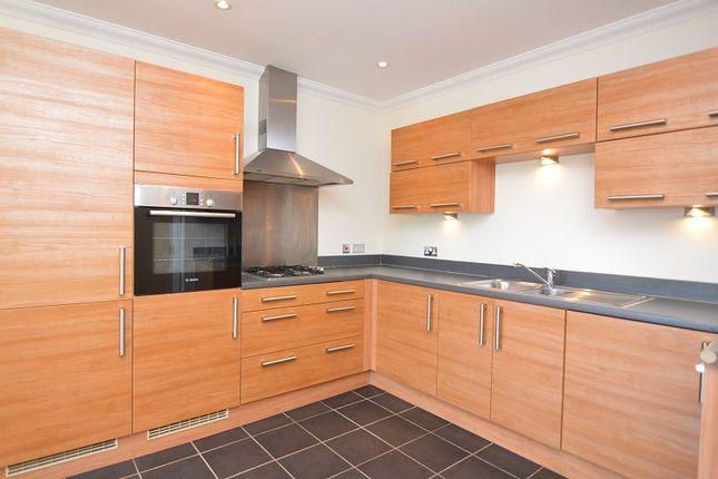 Thumbnail Flat to rent in Merydene Court, Binfield, Berkshire