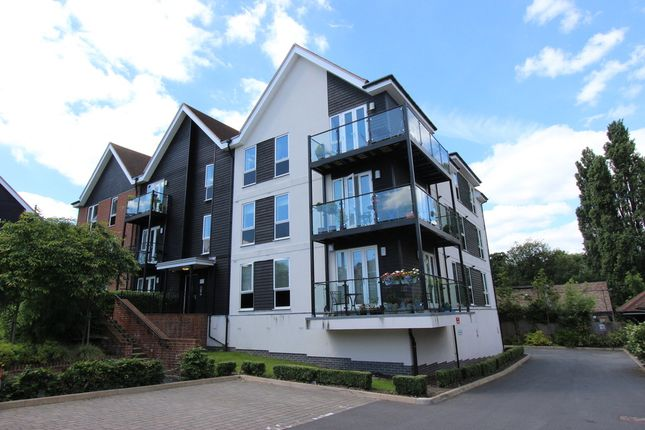 Flat to rent in Mill Drive, Ruislip