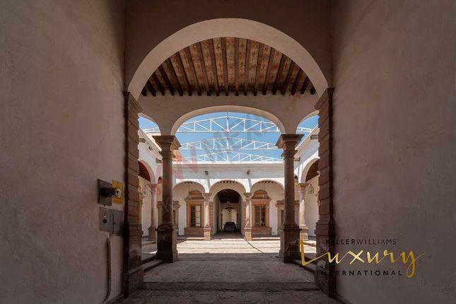 Detached house for sale in 0 Calle Miguel Hidalgo, Querétaro, MX