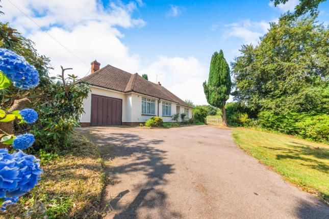 Thumbnail Bungalow for sale in Vicarage Road, Burwash Common, Etchingham, East Sussex