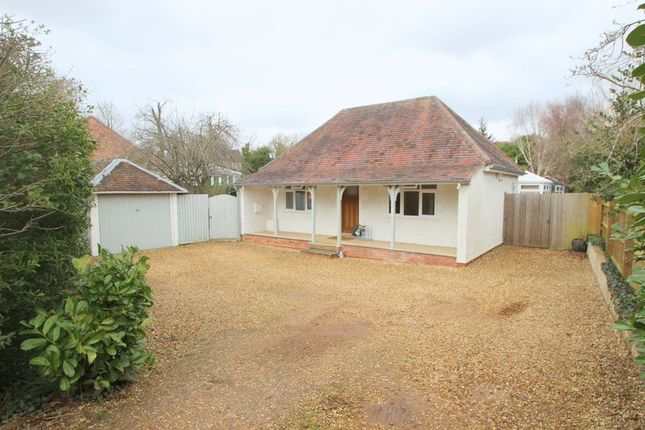 Thumbnail Bungalow for sale in Alderminster, Stratford-Upon-Avon