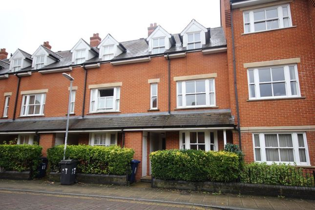 Thumbnail Property to rent in Ravensworth Gardens, Cambridge