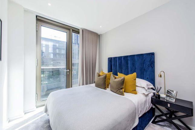 Bedroom 2 Lo of Capital Building, Embassy Gardens, 8 New Union Square, Nine Elms, London SW11