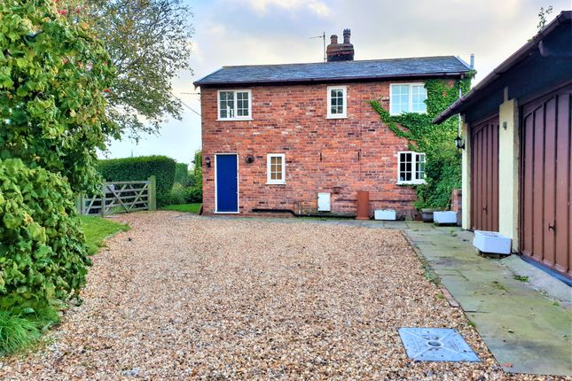Thumbnail Cottage to rent in New Lane, Burscough