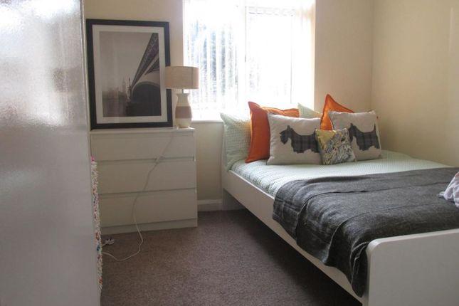 Thumbnail Flat to rent in Milton Road, Luton